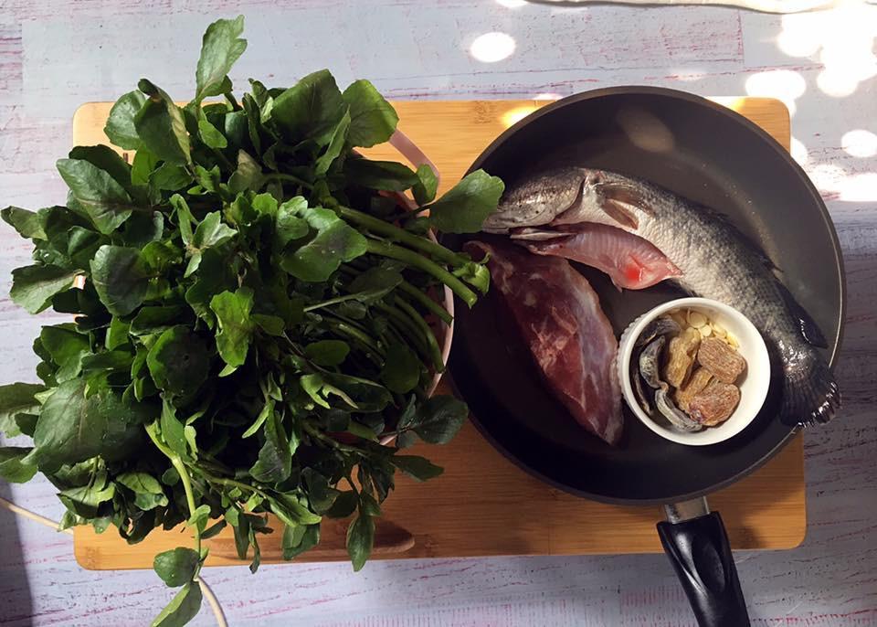 手摘西洋菜鴨腎生魚瘦肉湯