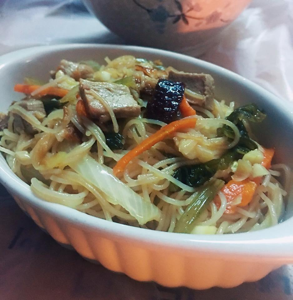 蒜茸洋蔥甘筍絲雪菜火鴨絲炆米