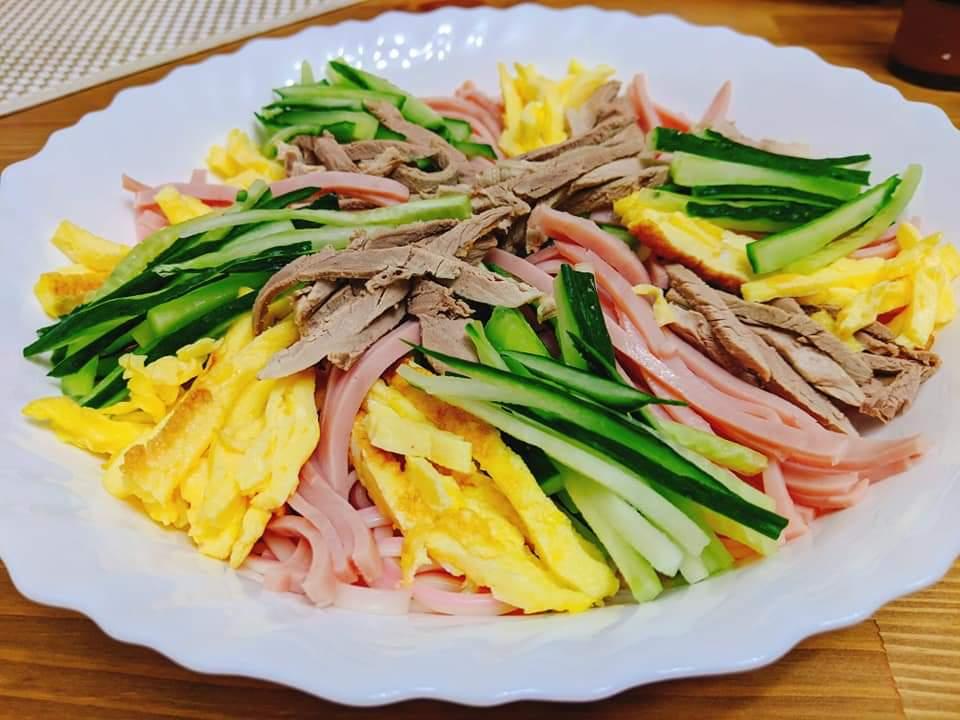 日式雜錦凍烏龍麵