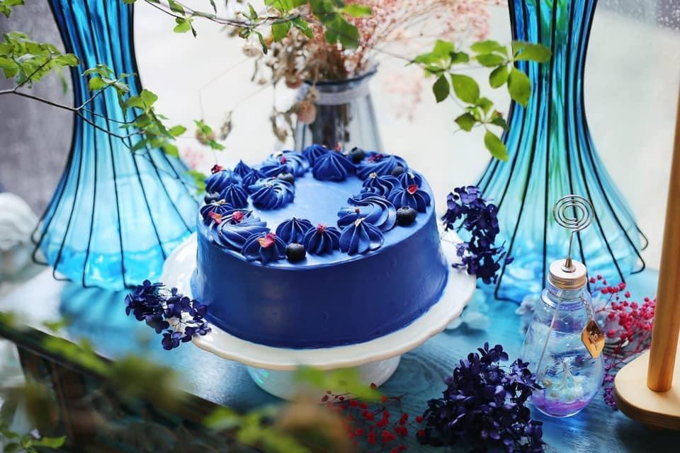 生日蛋糕推薦2021丨打卡生日蛋糕推介!獨角獸蛋糕丶彩虹戚風蛋糕 Signature Royal Blue Rose Cake HKD$810起