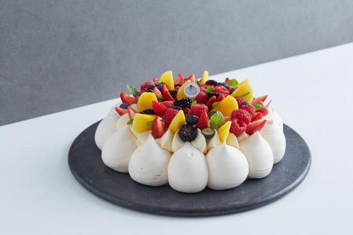 母親節蛋糕2021丨精選8款餅店丶酒店蛋糕 !半島果醬蛋糕丶La Famille戚風蛋糕 母親節蛋糕2021丨Le Dessert:Antoinette Pavlova 蛋白餅若是想為在母親節為媽媽帶