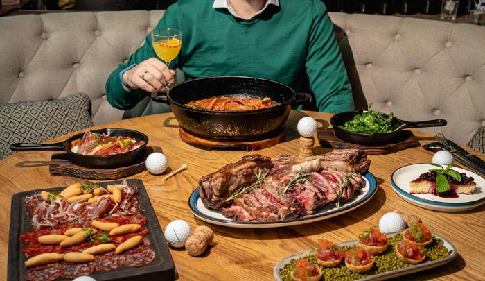 父親節2021丨特色父親節餐廳推介 ! Whisky火焰熟成肉眼丶Fusion創新日本料理 今個父親節,The Optimist就特意準備了充滿西班牙風情的父親節一日限定菜單。父親節套餐由四款西班牙小