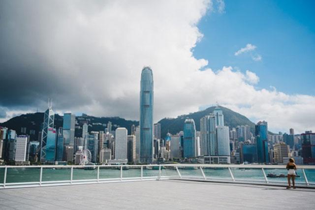 週末拍拖約會企劃|尖沙咀情侶打卡、下午茶好去處|一日約會行程路線圖 海運觀點坐擁270度維港景色,絕對是市區中難得可以欣賞香港日落晚霞的最佳位置!