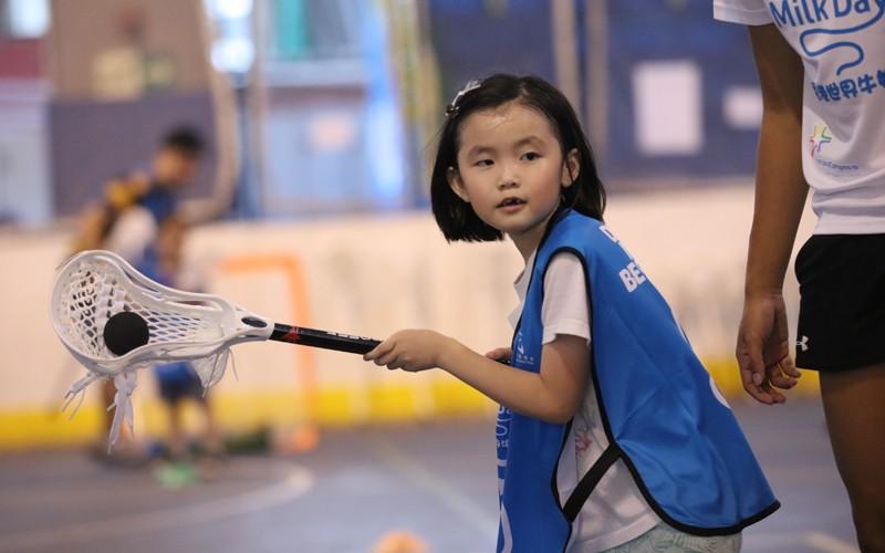 [6歲起適合] 運動量等同足球籃球 棍網球鍛煉小朋友體能手眼協調