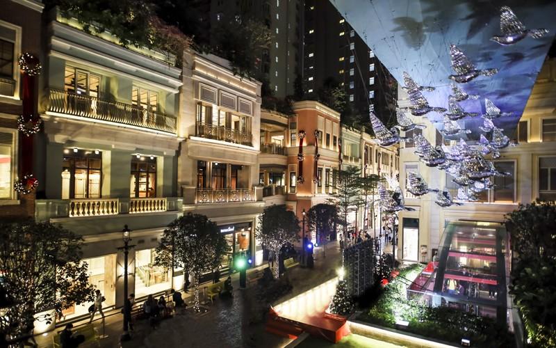 【聖誕慶祝活動】利東街50隻光影白鴿聖誕燈飾宣揚愛與和平