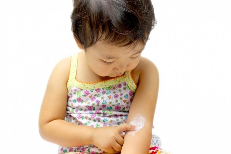 【濕疹研究】英大學:無證據顯示嬰兒期每日用潤膚劑有助防濕疹