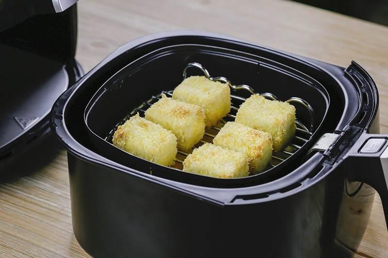 氣炸鍋推薦及食譜 | 14款簡易氣炸鍋食譜!新手必試:氣炸莎莉蛋糕、蜜糖雞翼、豬肉乾、朱古力心太軟