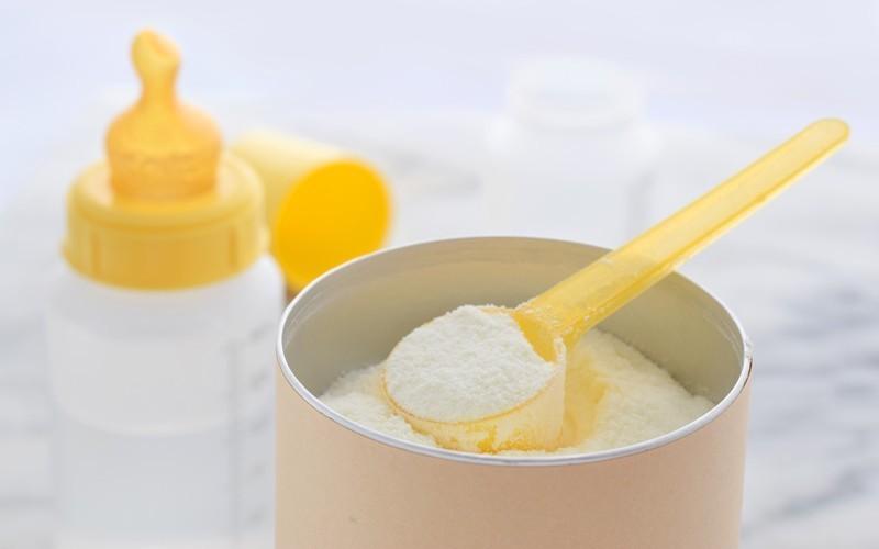 【新手爸媽必學】正確沖奶粉8個貼士