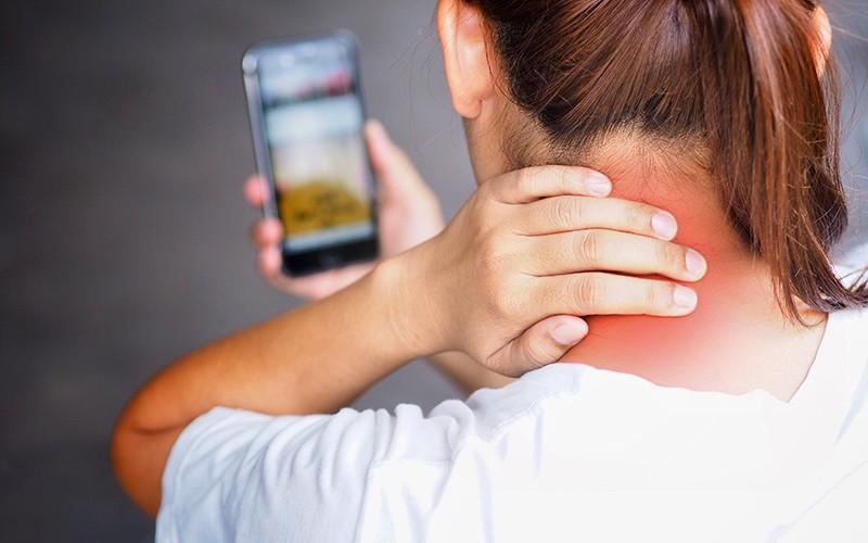 【成日頭痛頭暈?】可能頸椎病作祟!5大症狀你要知!