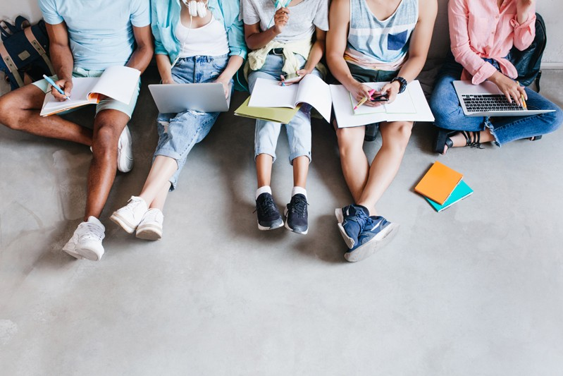 消委會調查丨中小學書簿費加幅遠高於通脹?丨中小學、初中、高中平均書簿費開支一覽