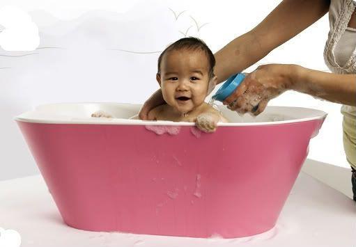 別學吳尊為NeiNei洗澡!