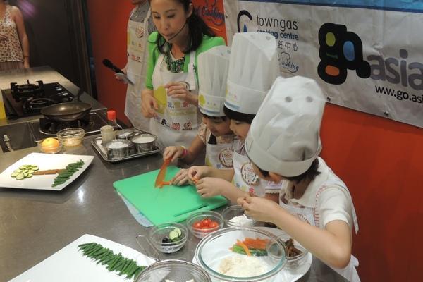 「童」「星」一起煮 一起健康惜食