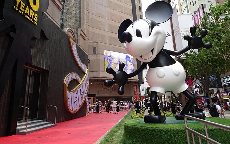 【Mickey90周年懷舊珍藏展】4大打卡位+周年精品率先賣!