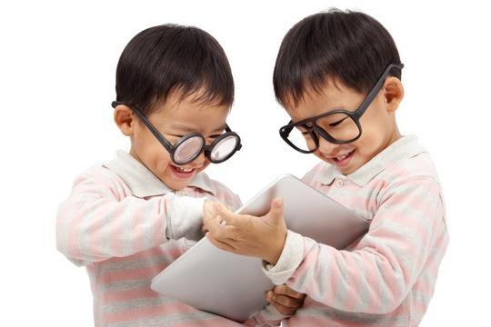 小朋友戴眼鏡好辛苦? 矯視風險你要知