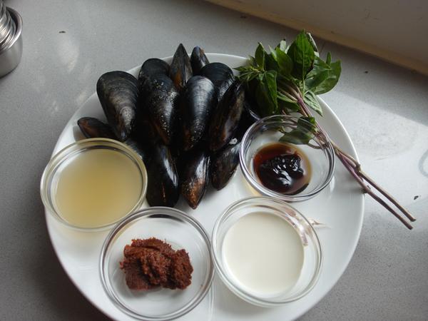 「泰」易煮:辣椒膏炒藍青口